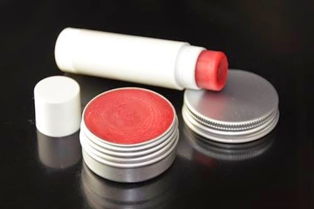 Pasos para elaborar de forma casera un bálsamo labial de frambuesa