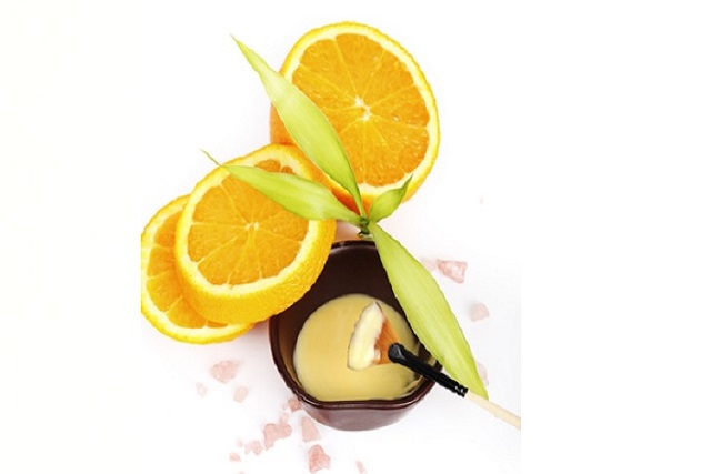Mascarilla blanqueadora con polvo de naranjas