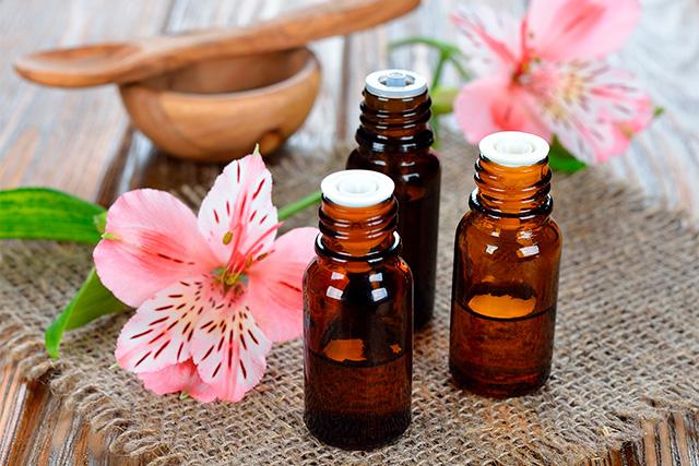 Combate los síntomas de la menopausia con aceites esenciales