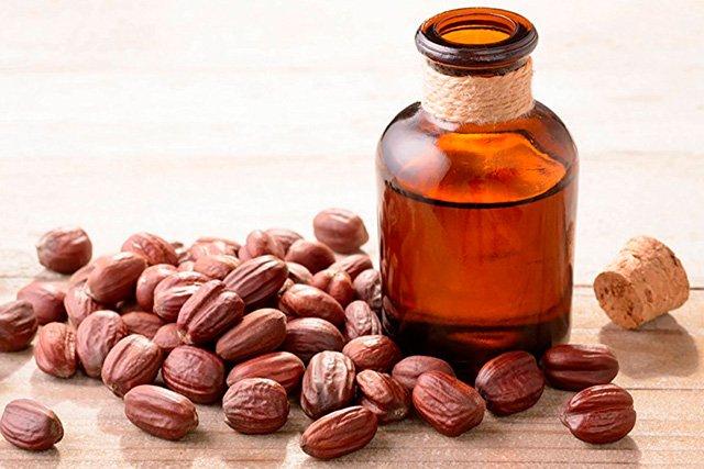 Aceite de jojoba como desmaquillante natural
