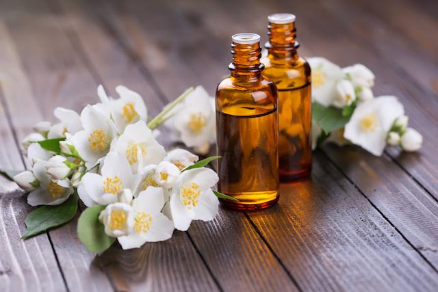 Aceite esencial de jazmín: propiedades y beneficios