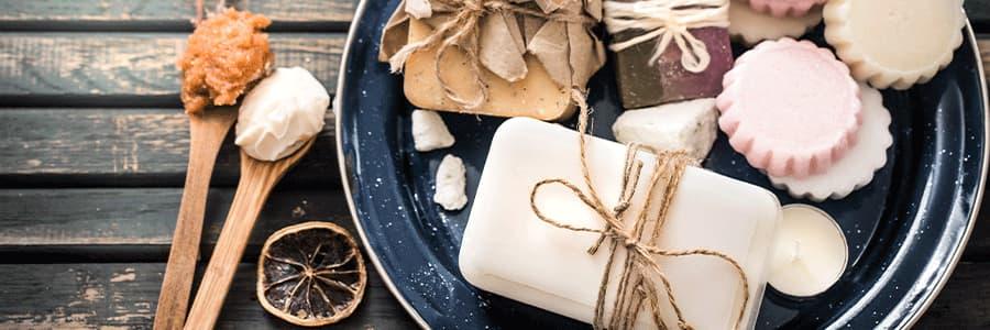 Geles y cremas de cosmética natural casera